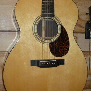 Martin OM-21 Acoustic Guitar w/Case