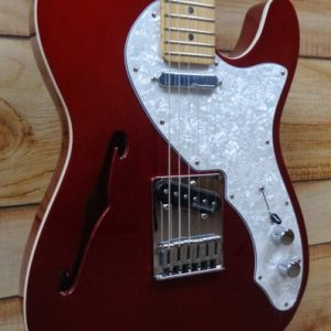 Fender® Deluxe Telecaster® Thinline Maple Fingerboard Candy Apple Red w/Gigbag